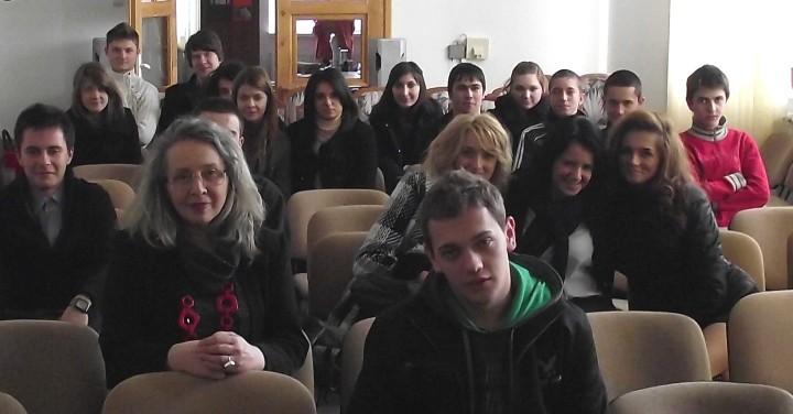 Angela Furtuna, prof. Sorin Ovidiu Ciocan, clase de la Colegiul Mihai Eminescu