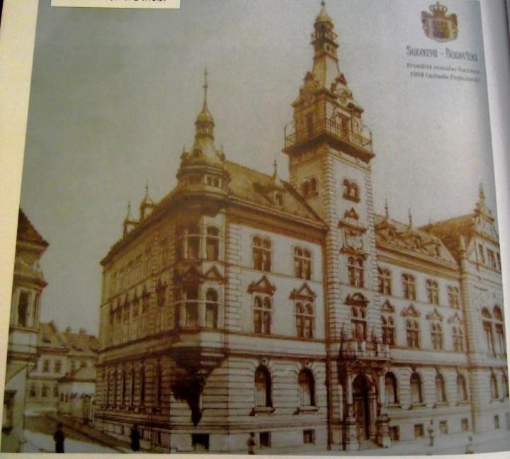 Suceava 1904 sau Micul Cernauti - de la actualul Magazin Bucovina si pînă la piaţa centrală, un oraş dantelărie, cu înflorire economică şi culturală
