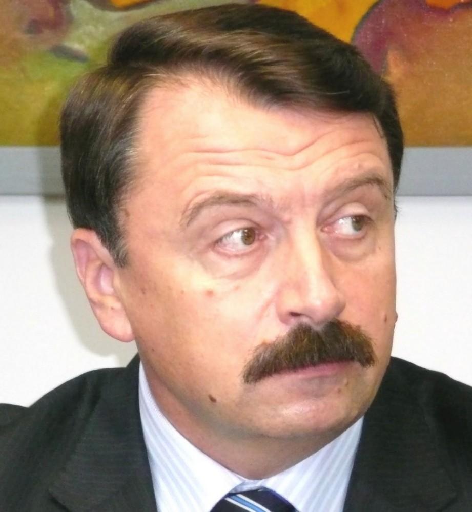 Vasile Ilie - Monstrul politic de la Suceava 1