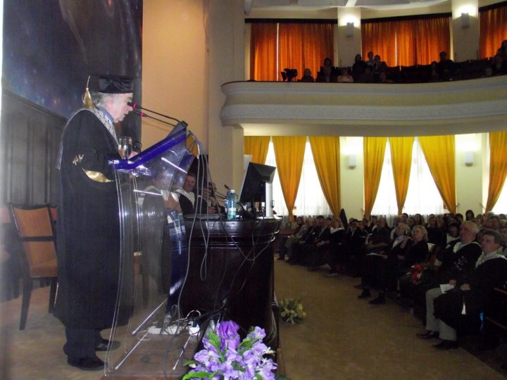 Norman Manea vorbeste despre Barbu Fundoianu la ceremonia de decernare a titlului de Doctor Honoris Causa al Universitatii iesene. Magistral discurs despre Barbu Fundoianu - Bejamin Fondane